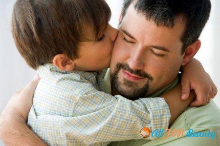 Мальчики, росшие без отца, раньше становятся папами