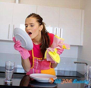 Как прекратить ссориться из-за грязной посуды