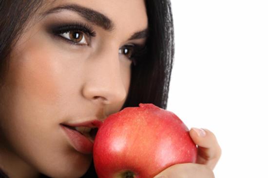Как приготовить косметику из обычных продуктов?
