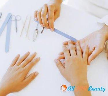 Как проходит коррекция наращенных ногтей