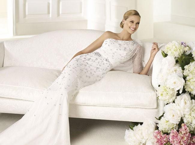 Изящные и оригинальные свадебные платья 2013