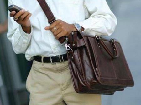 Мужские сумки: как выбрать и с чем носить