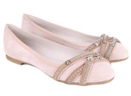 Где купить балетки или другую необходимую обувь