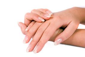 Какой самый простой способ наращивания ногтей дома?
