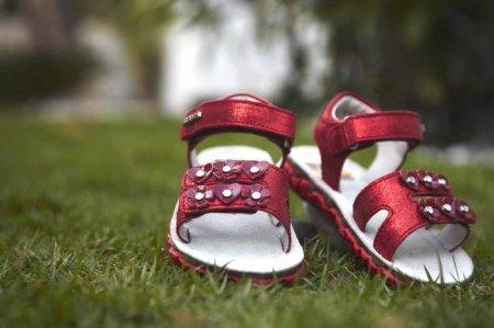 Выбираем первую обувь для малыша